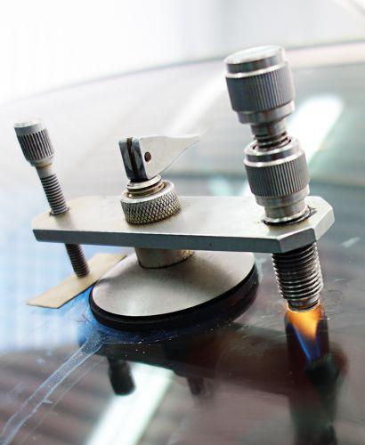 Ремонт автостекол трещин и сколов лобовых стекол